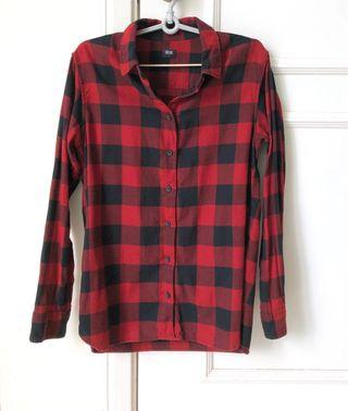Uniqlo red and black checkered shirt