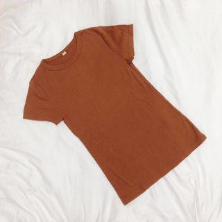 🚚 uniqlo brown ribbed tee