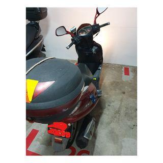 Suzuki AN125 Motor bike in good condition for sale  (Moving out)  COE TILL  15 JAN 2024