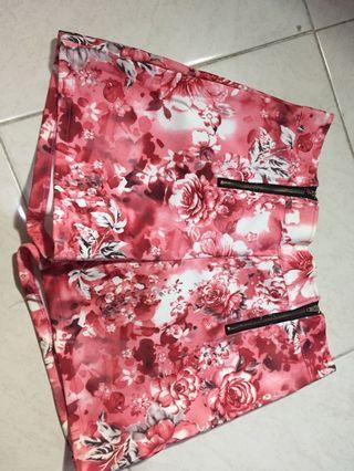 Celana Pendek floral