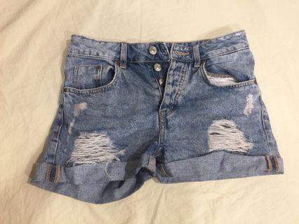 H&M高腰牛仔褲