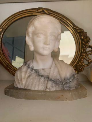 🚚 Solid marble small Victorian statue