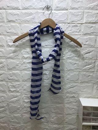 Hnm 細長薄圍巾,包郵