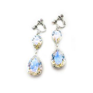 Clip-on Earrings in Swarovski Crystal Moonlight
