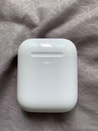 🚚 Apple Airpods Charging Case