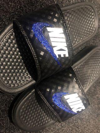 Nike slides -size 6