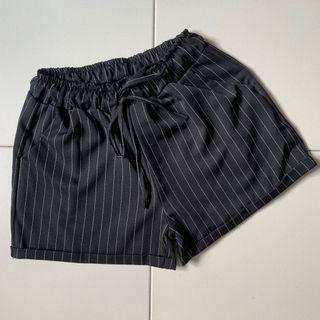 🚚 Black White Stripes Paperbag Shorts