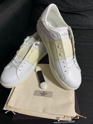 🚚 Valentino 撞色牛皮繫帶休閒鞋 (全新)