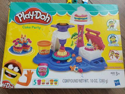 Cake party play-doh