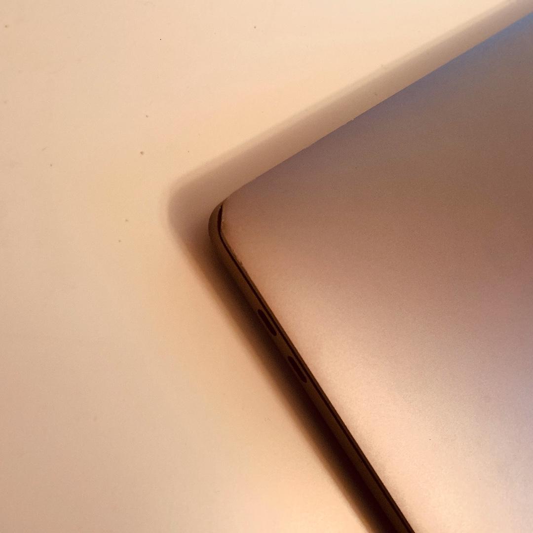 15-inch MacBook Pro - Space Grey, i7, 16GB RAM, 1TB SSD