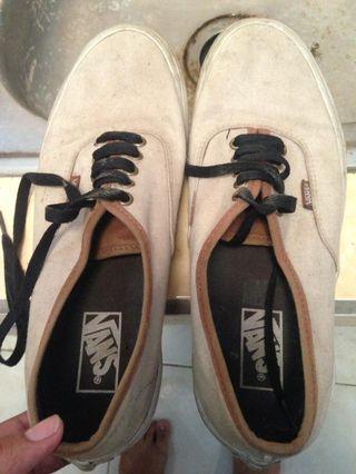 Sepatu Vans White