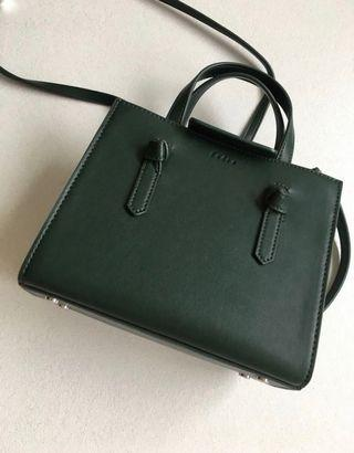 Pedro sling bag with defect