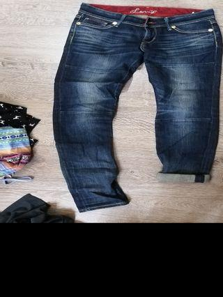 Levis紅標牛仔褲26w