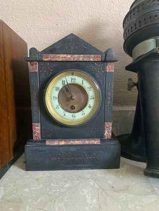 Vintage antique clock for mantelpiece