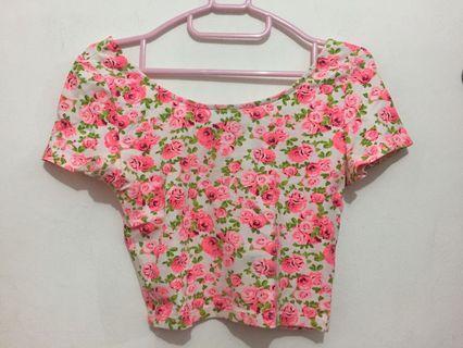 H&M pink flowery croptop