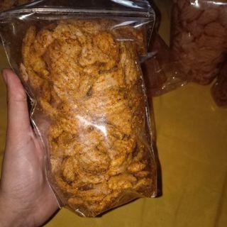 Kerupuk ikan pedas gurih with daun jeruk