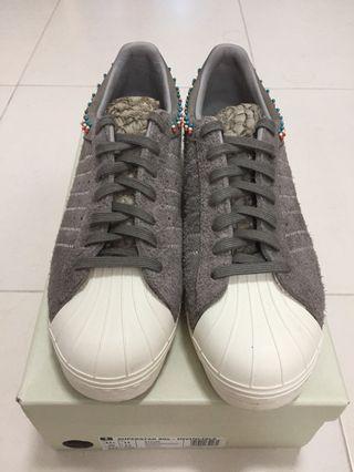 Adidas Consortium x Invincible Superstar 80v - UK 11