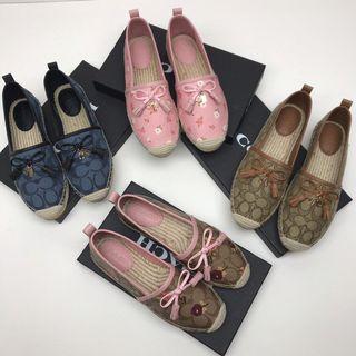COACH 漁夫鞋 豆豆鞋 經典C花紋 休閒鞋 可愛時尚 上腳舒服 標準尺碼 附購證 禮品盒
