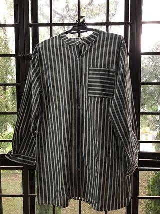 Striped shirt with high collar