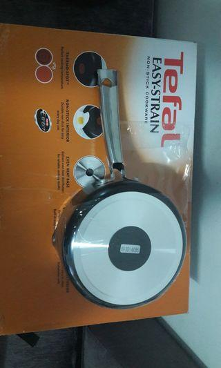 Tefal saucepan with lips side 16cm
