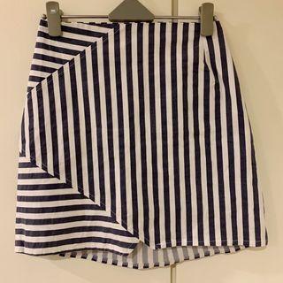 正韓 不規則線條開岔鬆緊短裙