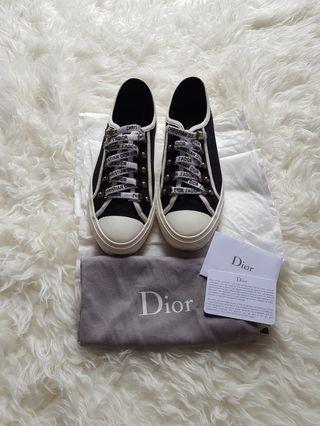 Preloved Walk'n'Dior low-top sneaker black canvas VVVGC