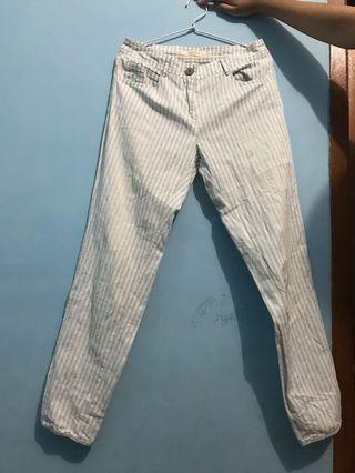 Celana bahan putih biru