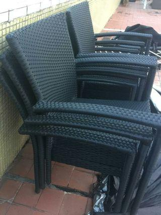 Outdoor chairs 70%New