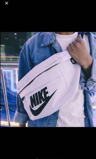 🚚 Nike sling bag (incoming stock)
