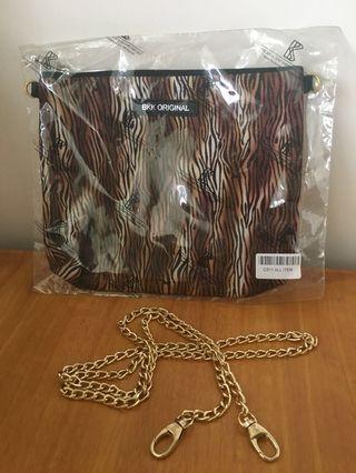 全新 泰國購BKK豹紋金屬拉鍊手袋