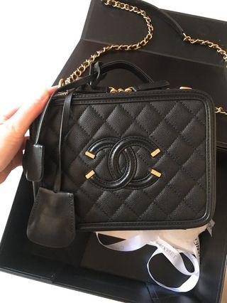 正品❤️Chanel vanity case 20cm black