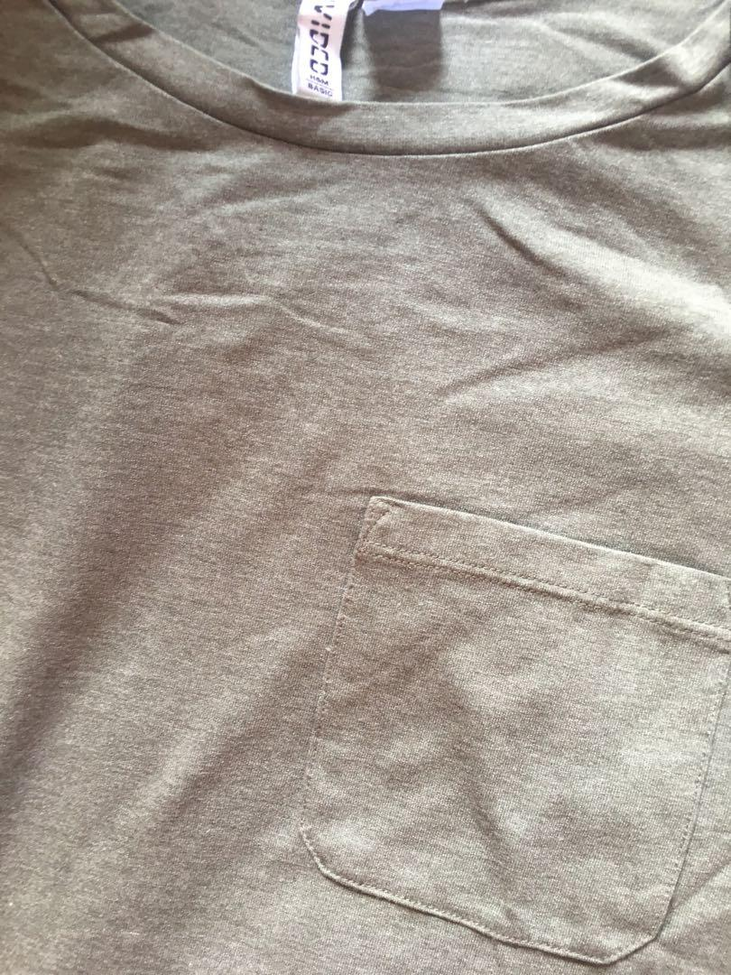Baju kaos hijau H&M basic size L for women