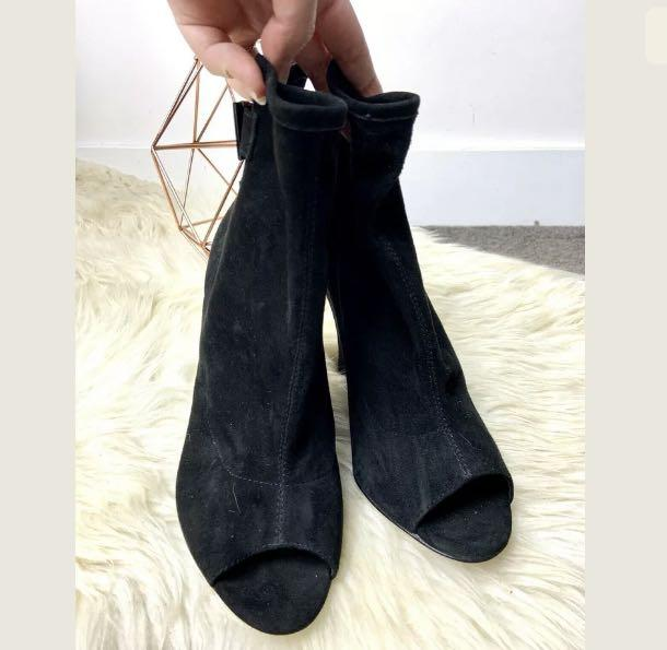 Charlie My Love sz 39/US8.5 black suede shoes heels wedges ankle boots winter