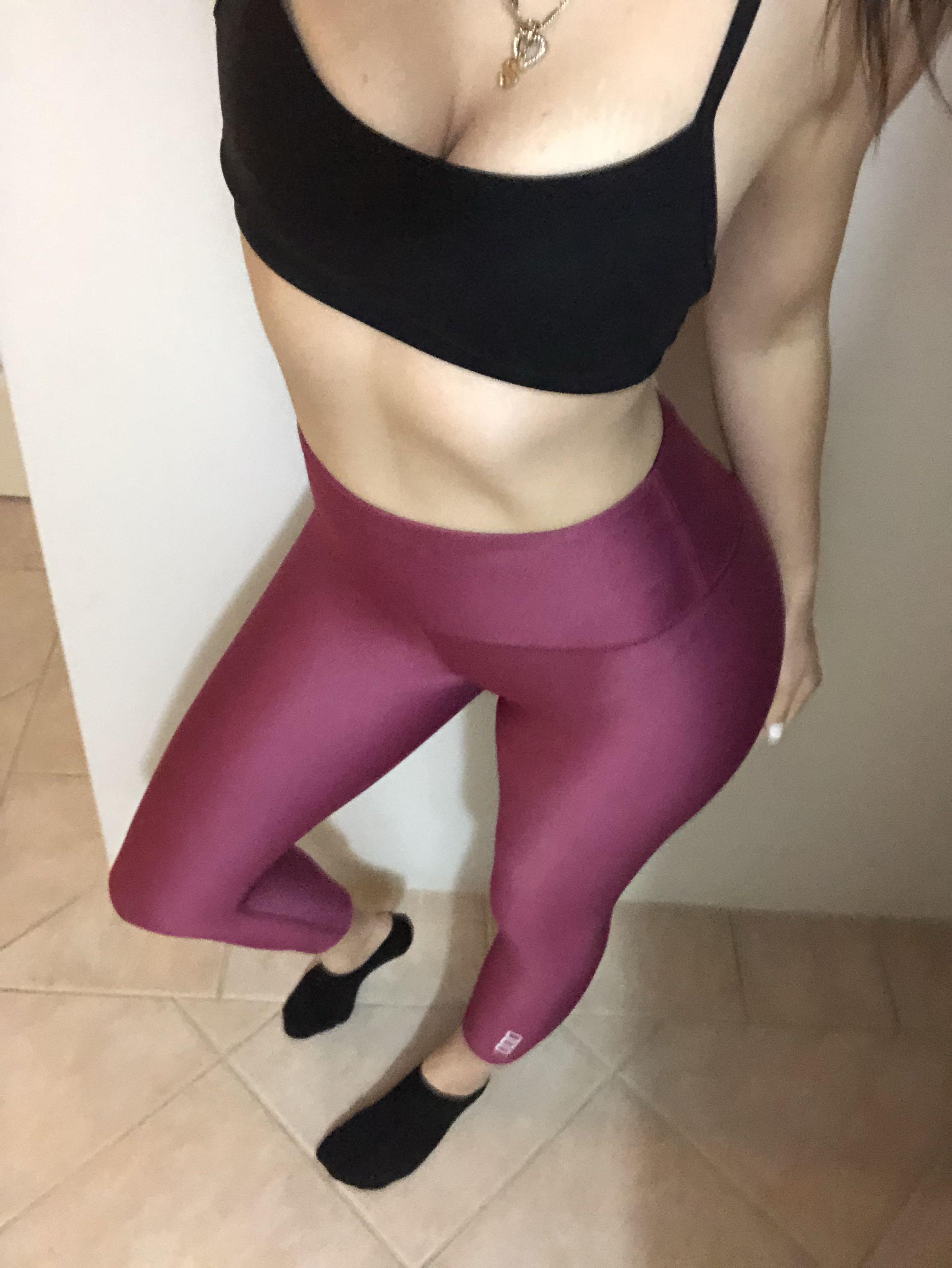 Lorna Jane High Waist 7/8 Leggings in Magenta XS (AU 6-8)