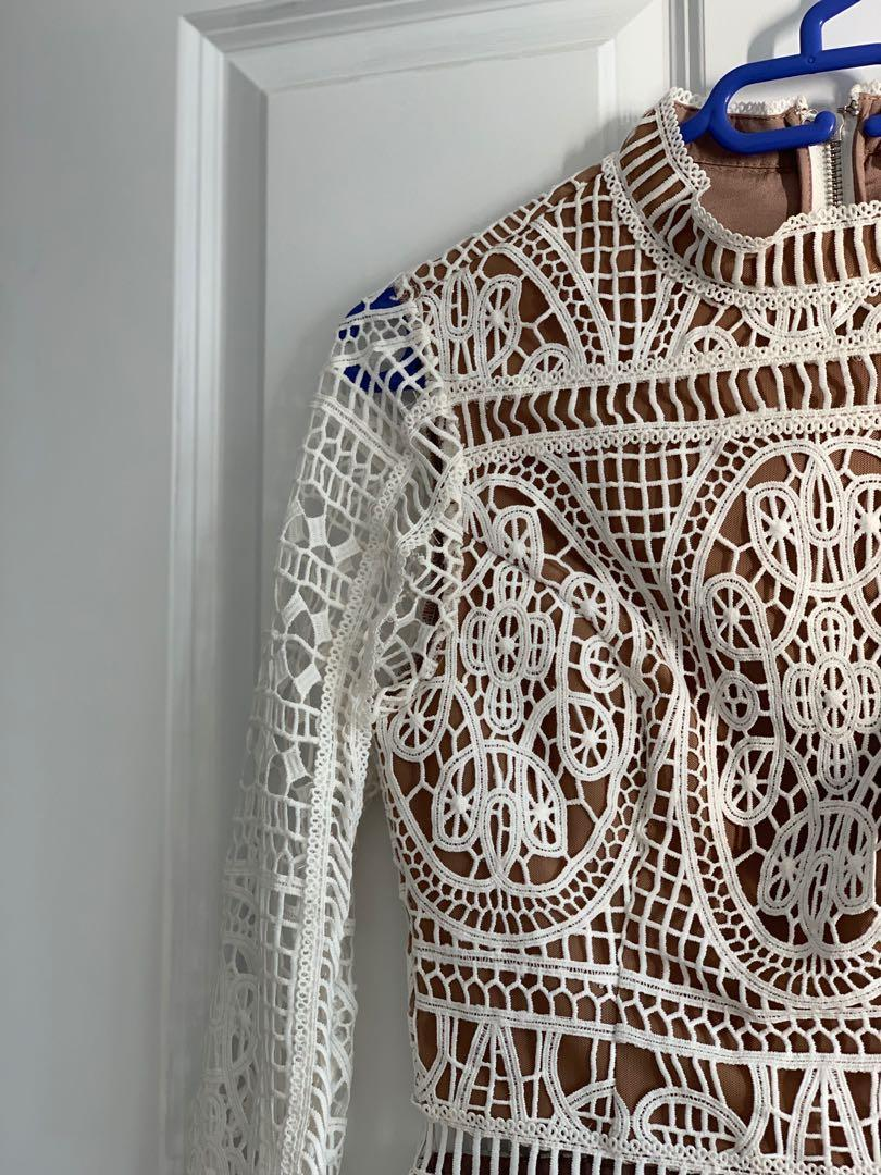 Ministry of style lace top