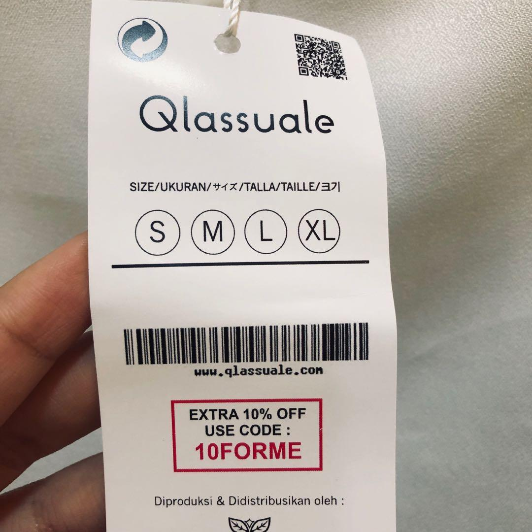 NEW Qlassuale white rumple top