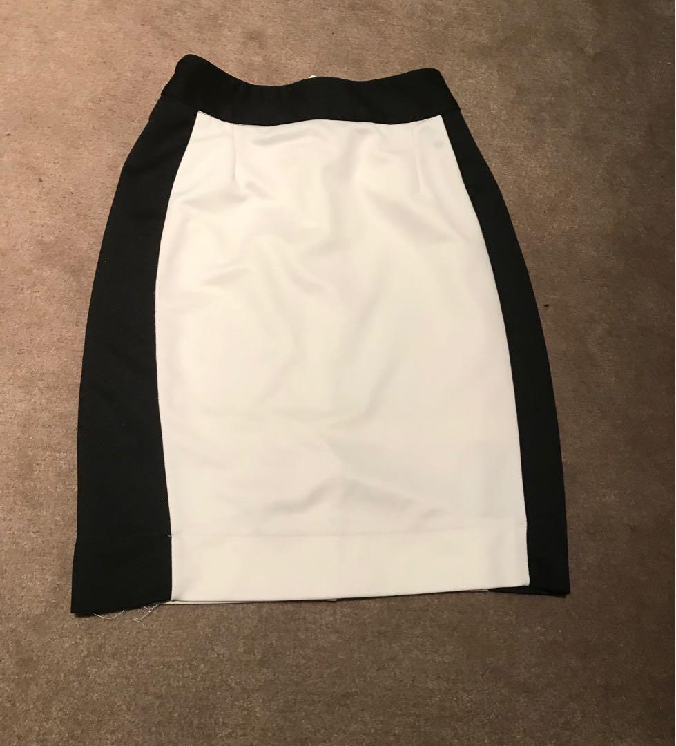 Nicci white and black work skirt, slimming xs or 6