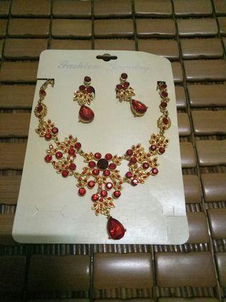 🚚 新娘飾品新娘套鍊結婚紅色項鍊禮服配飾古裝配飾夾式耳環