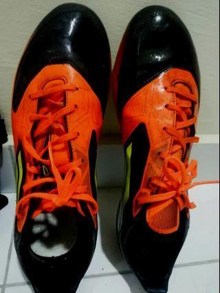 Kasut Futsal original! Adidas