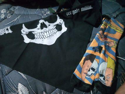 Kaos kaki + bandana seringai