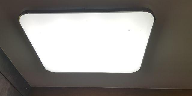 變色天花燈全新$100