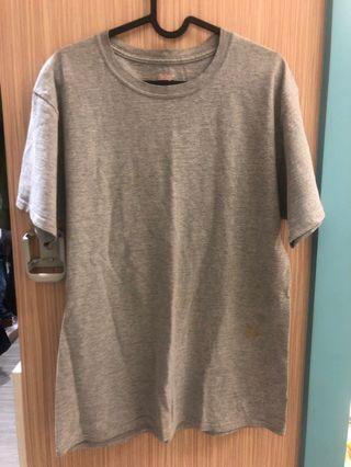 Hanes灰色圓領T恤