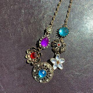 Vintage Style Floral Necklace