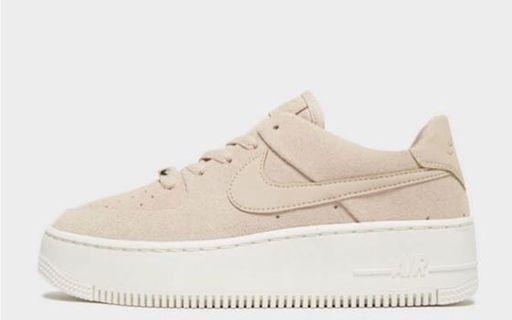 🚚 Nike Air Force 1 Sage Low Women