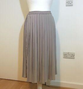 uniqlo grey pleated midaxi skirt