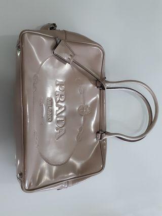 🚚 Prada Milano handbag