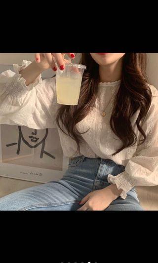 🚚 ✨燈籠袖勾花蕾絲襯衫