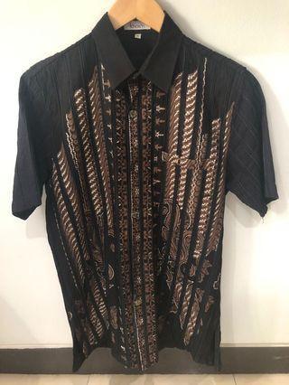 Batik Hitam Khos'n