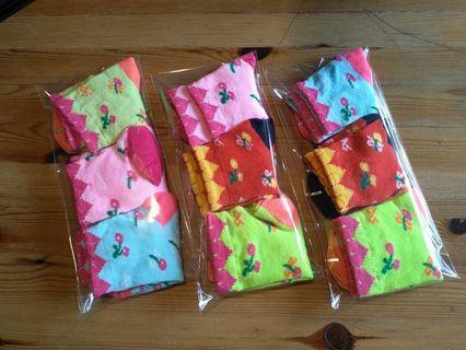 Children socks. 3 pairs per pkt.
