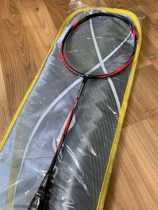 Li Ning Armour 900 Badminton Racket